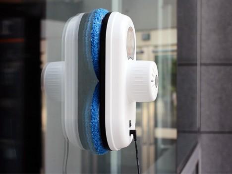 Comment fonctionne un robot lave-vitres ? - Home Robots