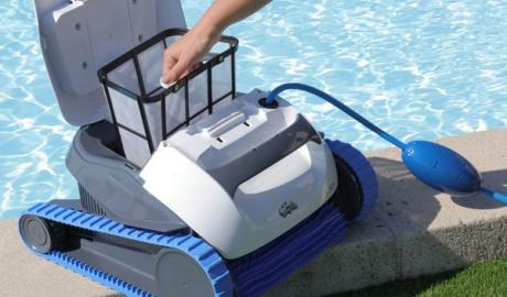 Comment utiliser et entretenir un robot laveur de piscine ? - Home Robots