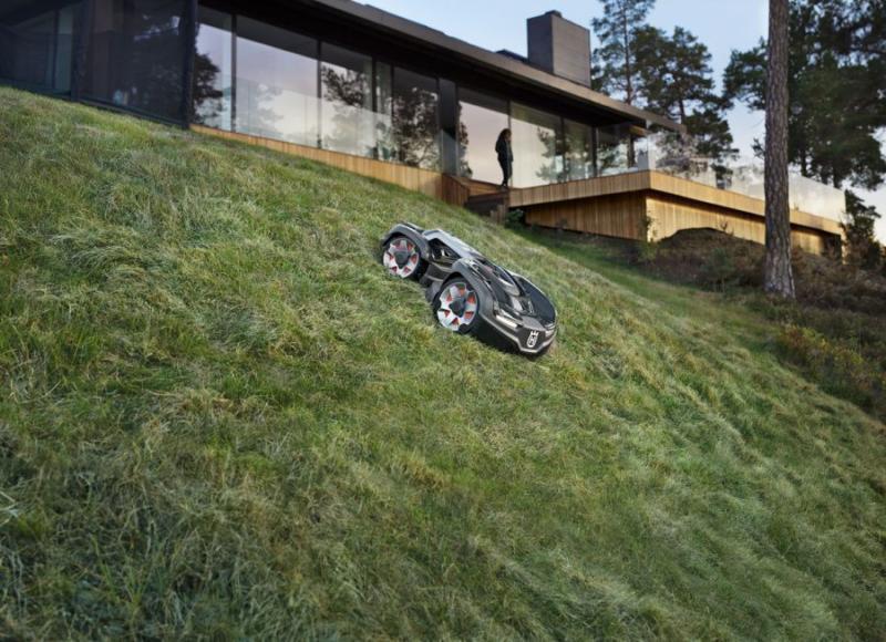 """Automower 435X, le robot de tonte """"4x4"""" adapté aux terrains difficiles - Home Robots"""